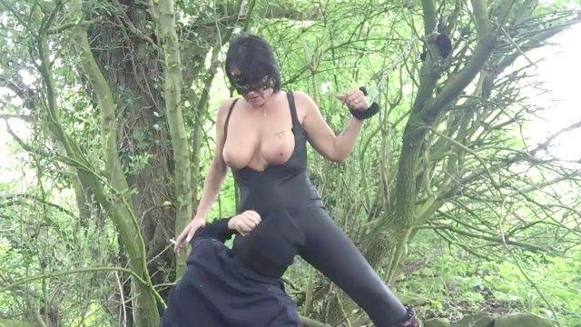 algemado na floresta