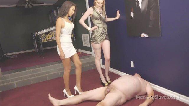 Prinzessin jennifer Spucken u0026 erniedrigend Sklave