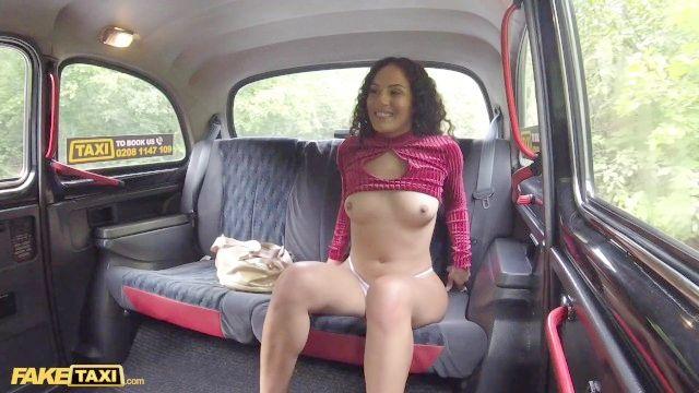 поддельные такси американская красотка Лив переделан хочет жесткий чешский петух