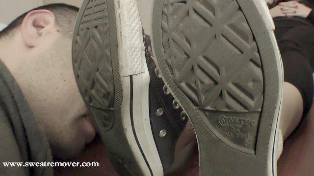 sweatremover zapatillas y calcetines adoran