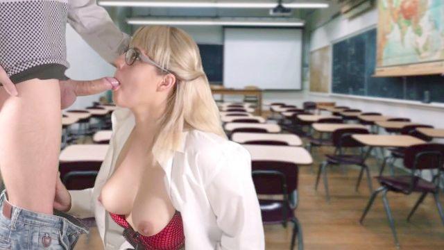 老师在课堂上吸引学生