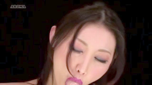 linda aberração com tentáculo-de-rosa em sua boca azumi hd Mizushima