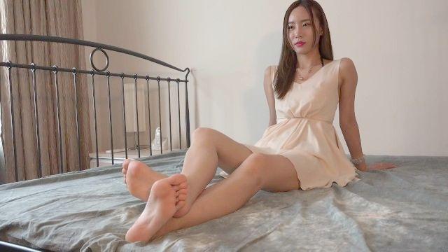 chinesisches Mädchen niedlich Füße und schlanke Beine