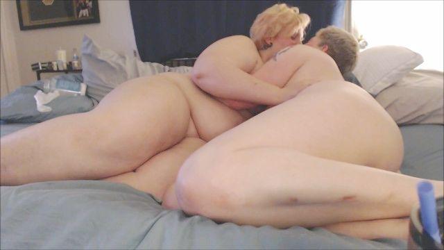 лесби фистинг и анальный, дп, киска крупным планом пульсирующая реальная пара