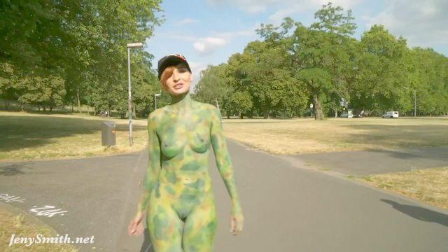 جيني سميث تجميع. عاريا في الاماكن العامة مع وامض ومشاهد الفن الجسم.