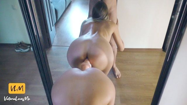 Teenager gefickt von großem Schwanz und DILDO nahen Spiegel (facial auf Premium)