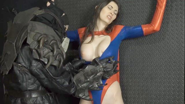 superheroína PMV los dioses han caído.