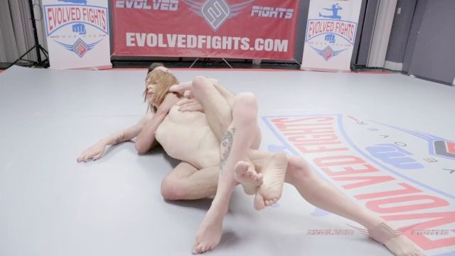 Alexa Nova de luta livre nu voltas para porra evolvedfights strapon femdom