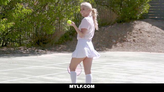 mylf caliente MILF follada por instructor de tenis