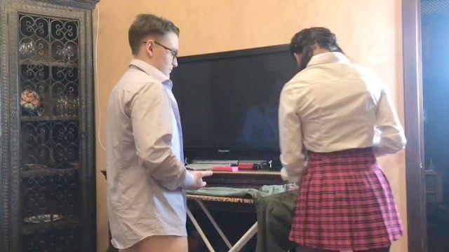 modesta colegiala seducido y follada 2 compañeros