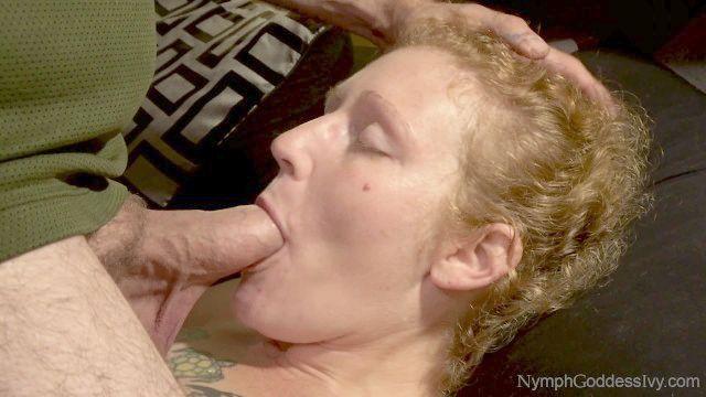 natürliche Rothaarige Milf Efeu Gesicht von Hubby gefickt mit Pochen Sperma in den Mund