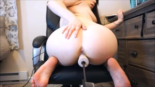 Porcelain Teen Girl Rides Fucking Machine And Squirts On Cam