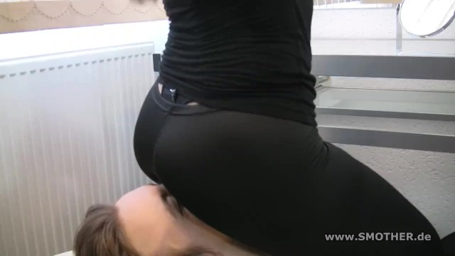 Black Leggins Facesitting