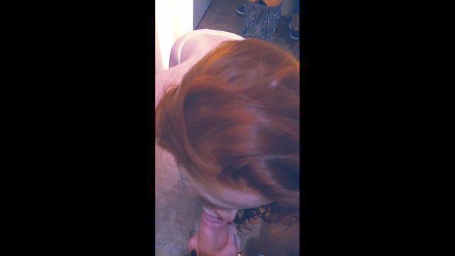 шлюха подруга сосание петух в общественных местах магазина раздевалка