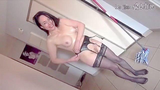 Dark Person Master Cums & Pisses On The White Slut ! (interracial , Golden , Bbc)