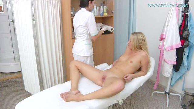 Kayla Examen Ginecológico
