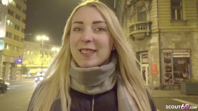 Deutscher Scout gabelt Latina Teenie zum ficken auf