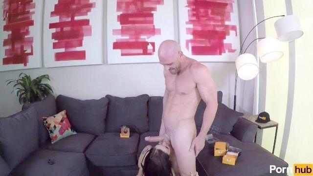 Kissa Setzt Einige Ihren Mann Bling  'ein Ding Mit Pornhub Spielzeug ' S Hahnring