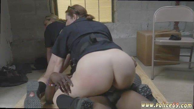 Milf Cops Puta De Vídeo E Imágenes Libres Milf Sexo Policía Y Atractiva De La Policía