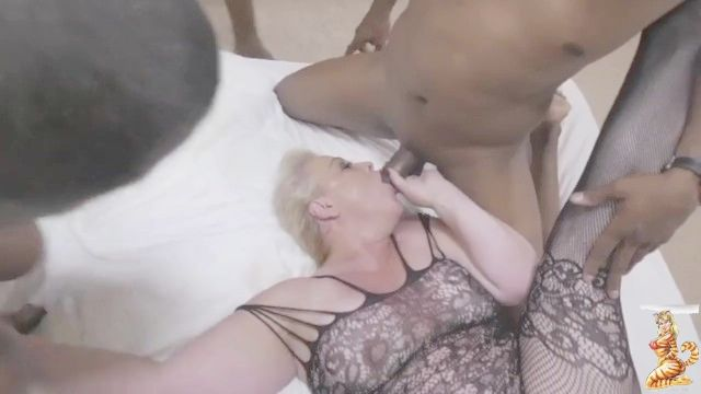 Mega Booty Phat Butt White Cutie Leading Summer Takes On More Bbc In Everyhole