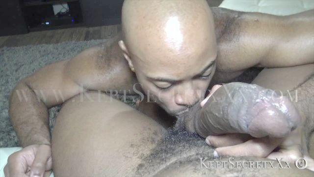сексуальный черный transman киска трахается грубо на большой черный член keptsecrtxxx