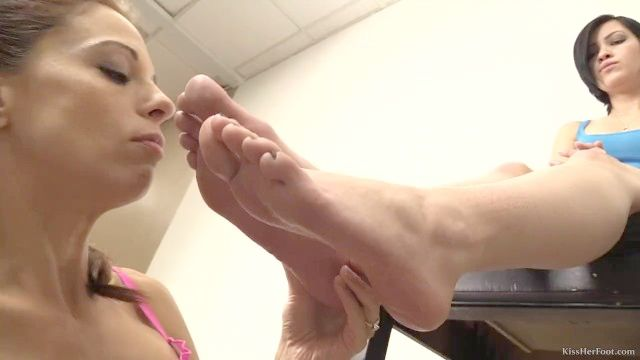 Foot Slave Loves Feet (lesbian Feet Licking) (kissherfoot)