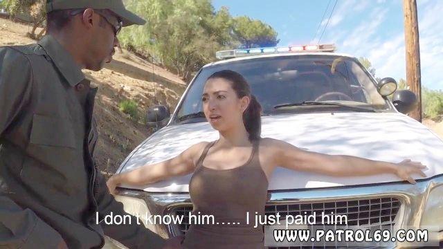 Tijuana Puta Patrulla De Policía Y Culo Lamer Joven Latina Follada Por La Ley